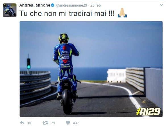 Andrea Iannone sulla sua moto