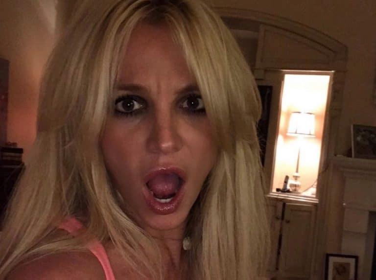 Britney Spears debutta in biondo!